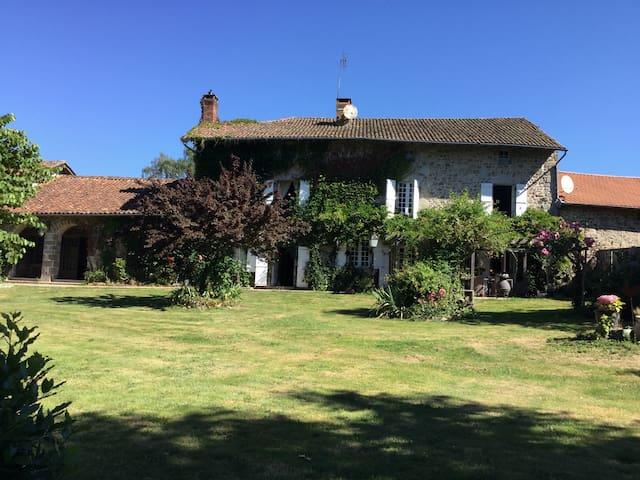Comfortable 17th Century Maison de Maitre, Marval
