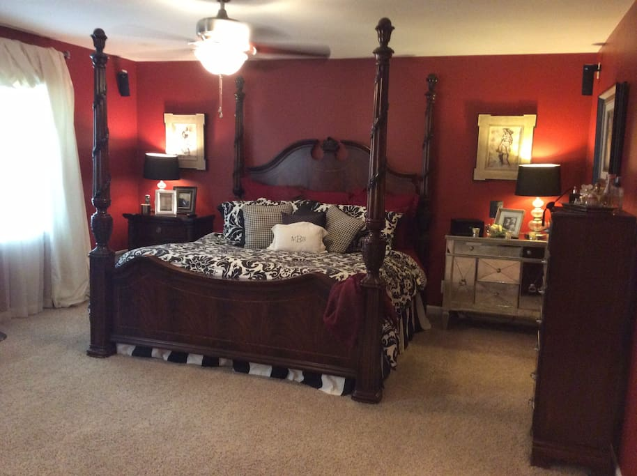 Large Master Suite with King Sized Bed and Full Bath