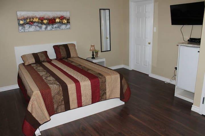 Suite #2 - 1 Queen Bed in Downtown Corner Brook