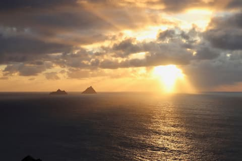 Skellig View Sunset Apartment & The Kerry Cliffs