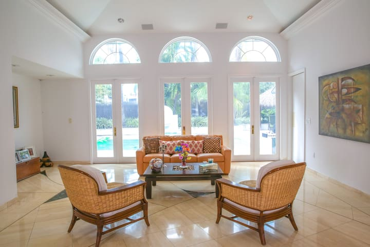 Beautiful Island Home. - Key Biscayne - Dom
