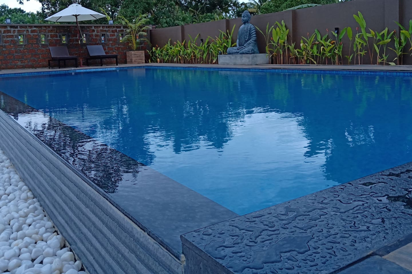 Brand New Swimming Pool with Kids pool & Jacuzzi