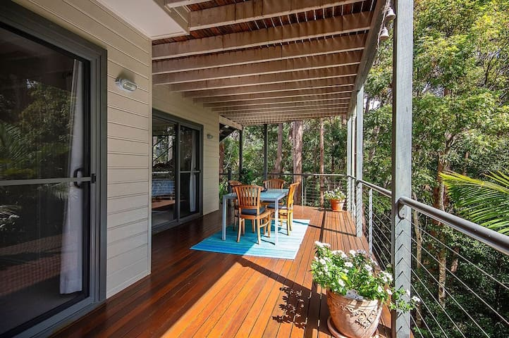 Peaceful 1 Bedroom Apartment on Buderim Forest