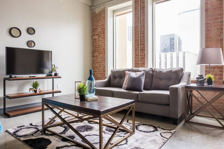 Contemporary Urban | Spacious 1BR @ Arts + Culture