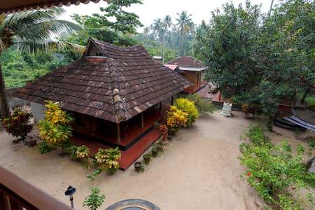Heritage Marari - Deluxe Cottage