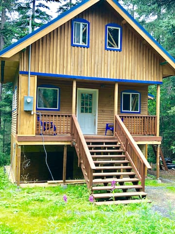 Whispering Woods Cabin-ooh your going to love it!!