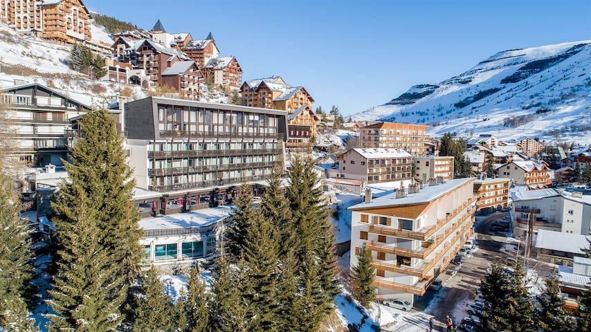 Séjour Ski pour Voyageur Seul | 300m des Pistes + Jacuzzi + Piscine Intérieure