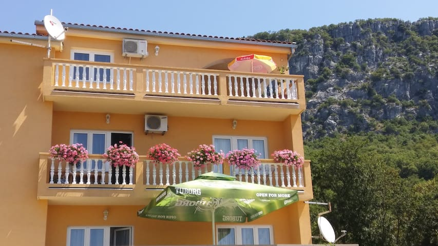 Apartment Ana 6 person - Bribir