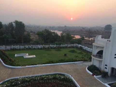 Palatial Villa - Sundar Villa
