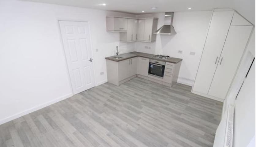 Modern One Bedroom Apartment in Central Reading