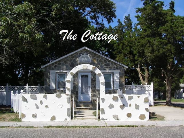 Cape May Villas Seashore Cottage by the Bay Beach!