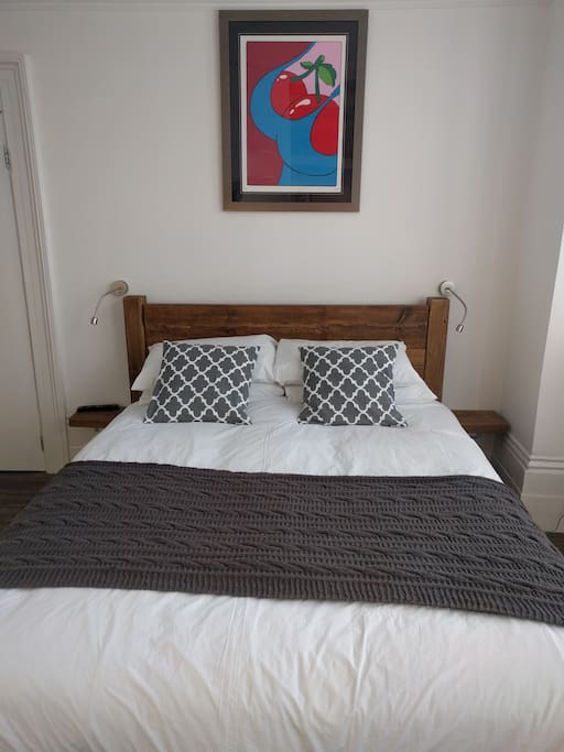 Solid oak king-size bed, pocket sprung with memory layer