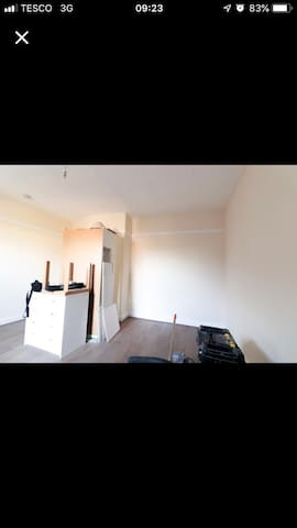 Double furnished room in town centre location