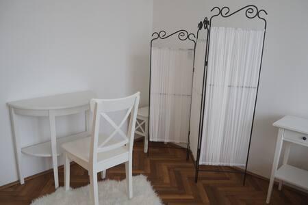 Ubytování v prvorepublikové vile - Poděbrady - Apartment