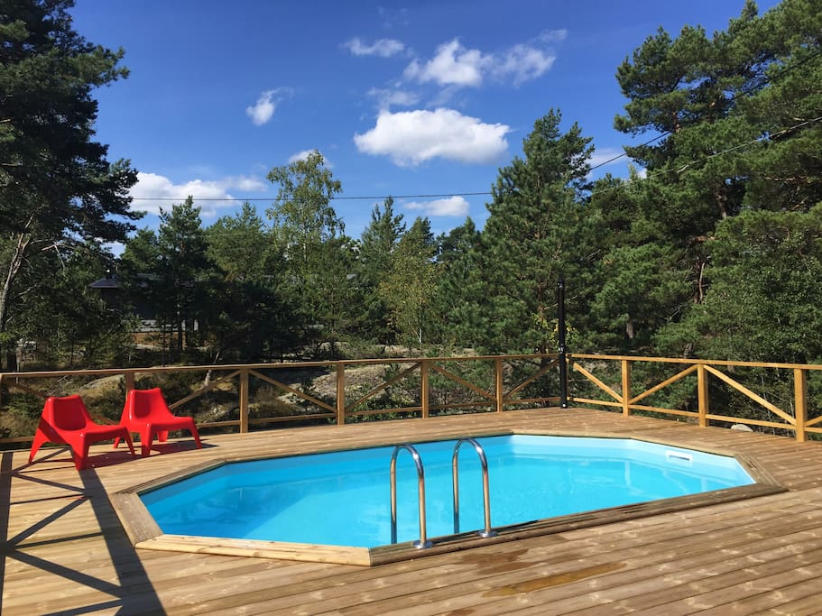 Private pool in the garden (open June-August)