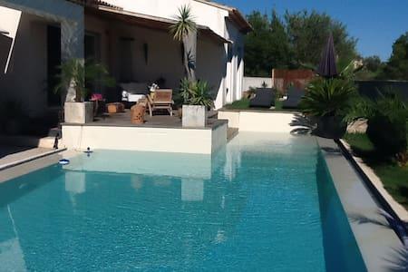 Villa provençal - La Crau