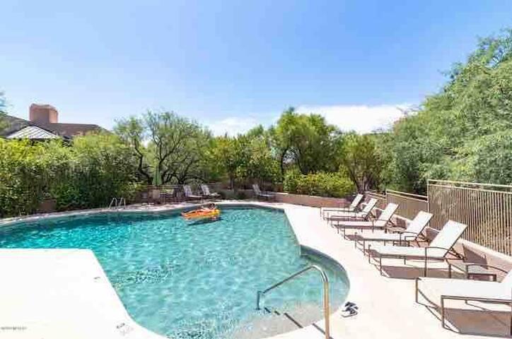 Cosy Warm Clean Catalina Foothills Condo Tucson AZ