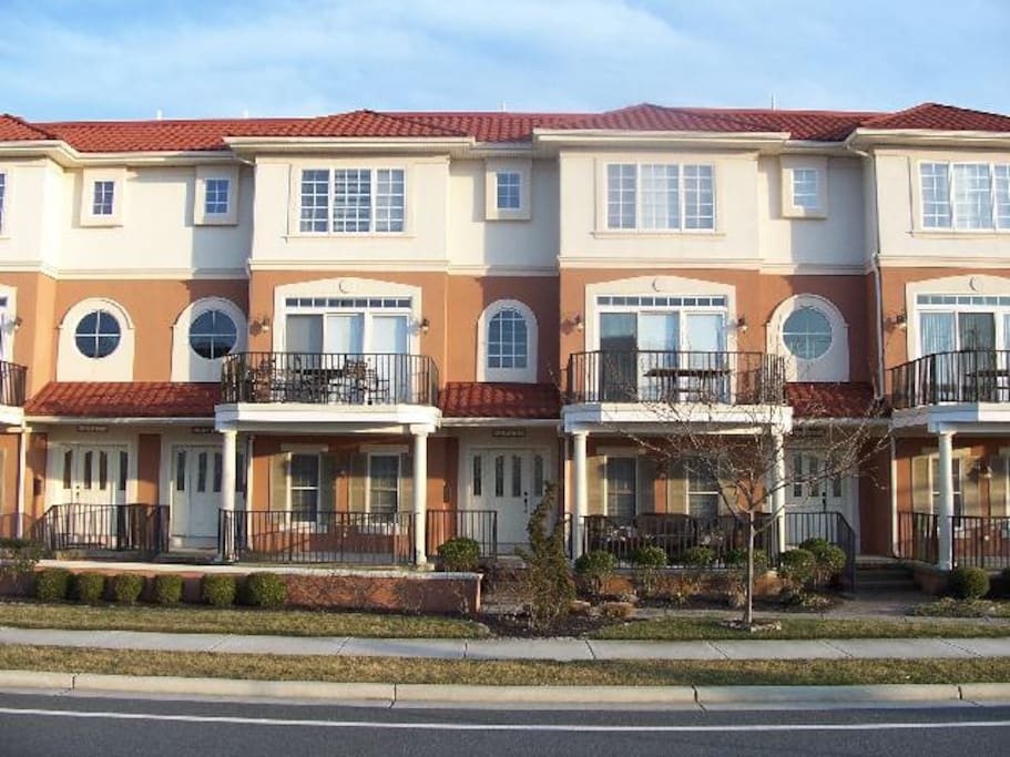 Thunderbird Luxury Townhouse Sleeps 10 Townhouses For Rent In North Wildwood New Jersey