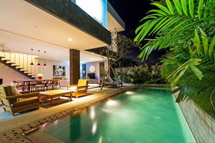 2 bedroom modern and new luxury  2卧室现代和新的豪华