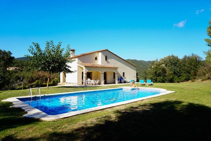 Magnifique villa avec piscine 15mn de platja d'Aro - Santa Cristina d'Aro - Rumah