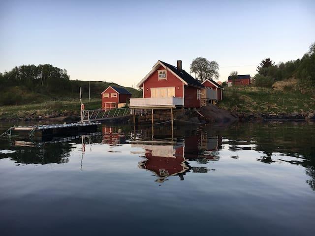 """Bua i Yttervika"""