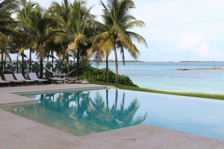 7bd beachfront villa in Ocean Club Estates - New Providence - Villa