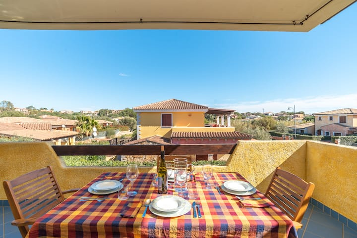 Villa Lucia - Aliterno V6 with Terrace; Parking Available, Pets Allowed for Extra Fee