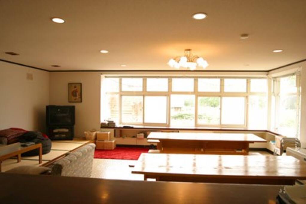 A big lounge room