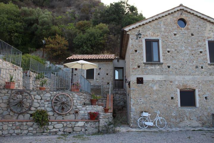Casa dell'Acqua vicino al mare e alla montagna