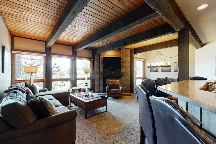 Lovely Steamboat Condo w/Shared Hot Tubs/Pool/WiFi + Next to Ski Resort Lifts!