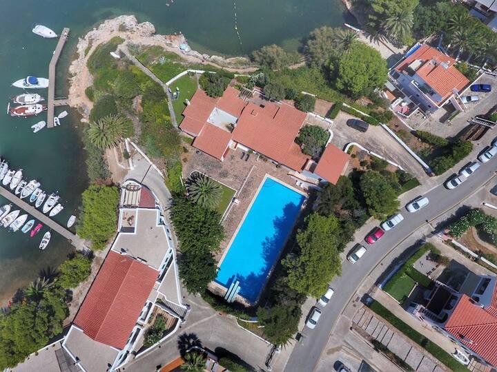 Impresionante villa con acceso directo al mar