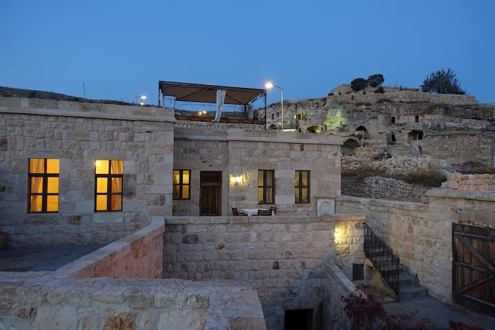 Stone House with Panoramic Views, 2 Rooms, 2 Baths