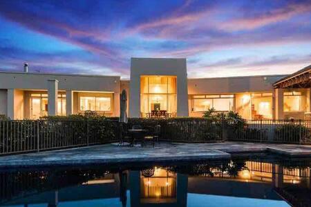 Luxury Seaview Retreat