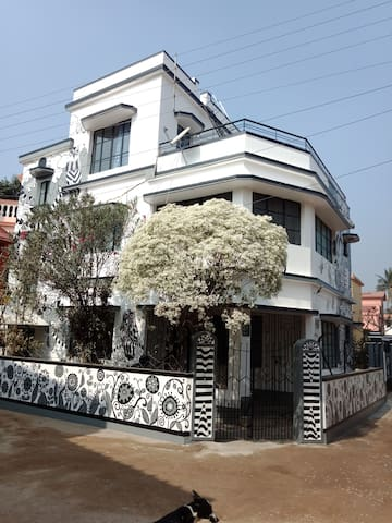 AAYNA HOMESTAY AT SANTINIKETAN