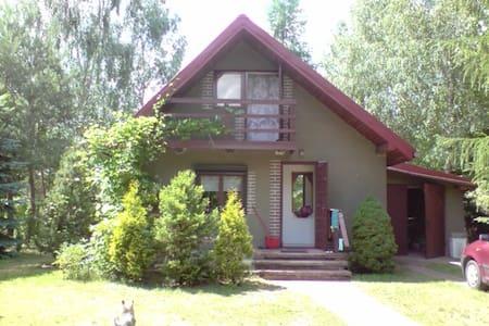 Samodzielny dom na lato nad wodą przy lesie - Tomaszow Mazowiecki - Casa