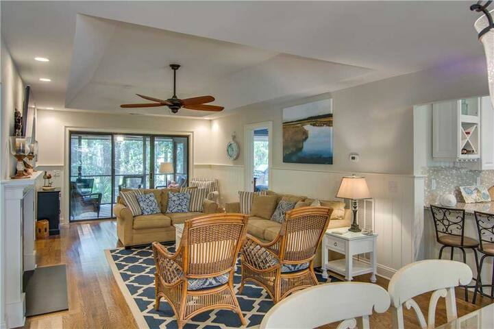 Book Soon For New Lower Rates On Kiawah Island! Charming Cottage With Community Pool & Dock!