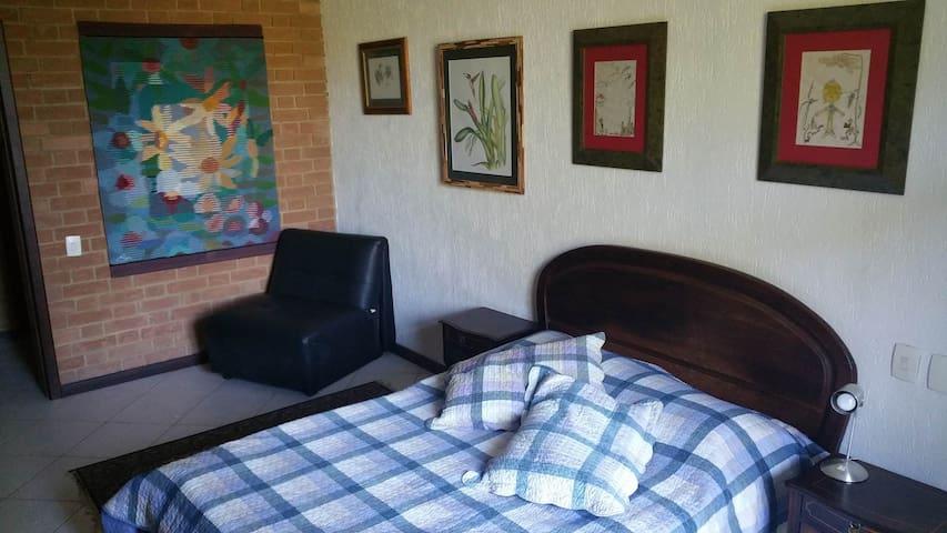 MORADA DAS ORQUÍDEAS - Suite Laelia