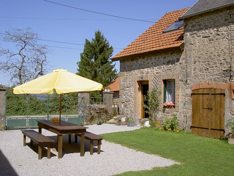Rural Cottage in small Village just 2km from N145