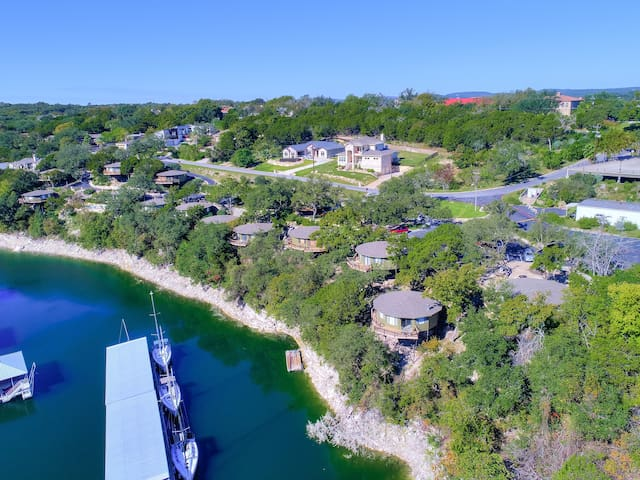 Treehouse Bungalow steps from Lake Travis, pool & hot tub, next to marina (#16)