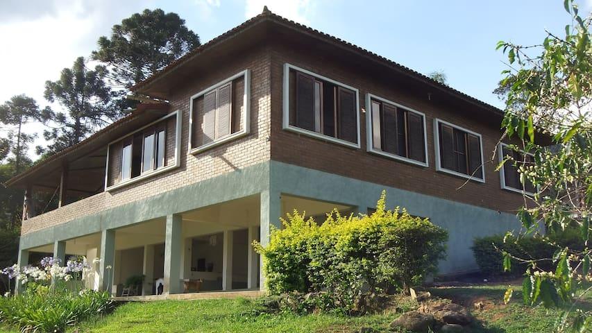 Corpus Christi- casa entre Penedo e Mauá - Resende - Blockhütte