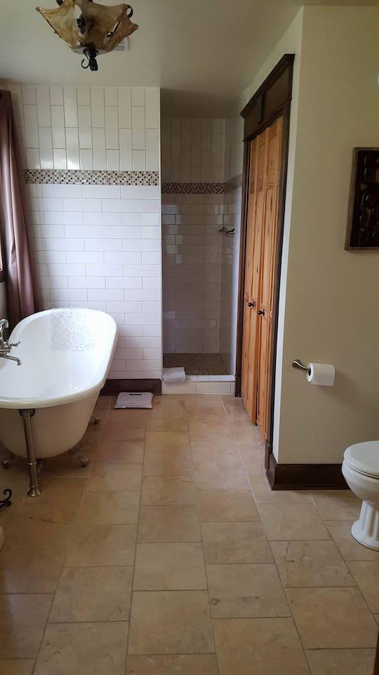 Salle de bain, 1er étage
