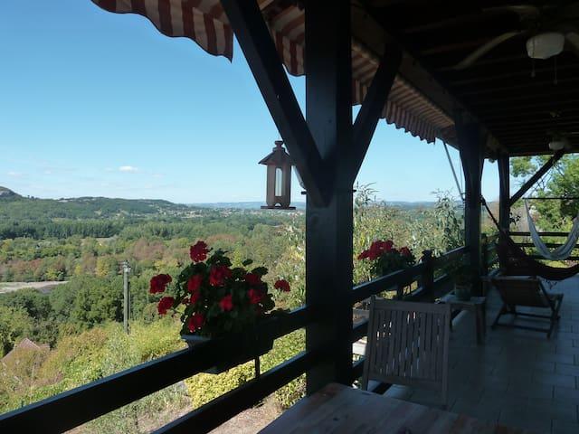 BALCON SUR LA DORDOGNE - Vayrac - Huvila