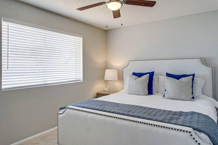 Bedroom 4 - King bed