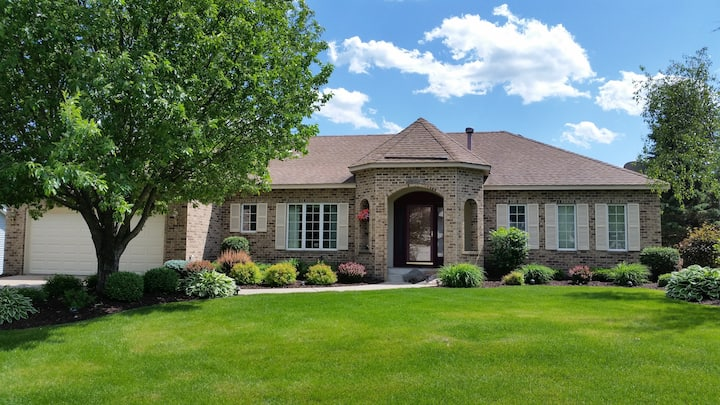 Spacious and private in upscale St. Paul suburb