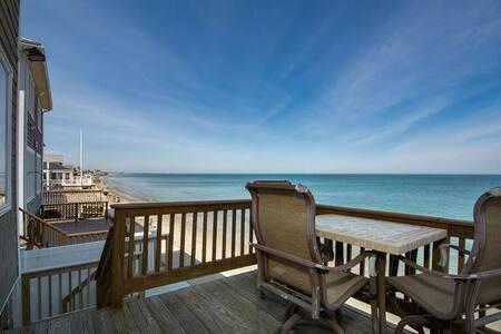 Beach Waterfront Rental Ocean Bluff Sleeps 12
