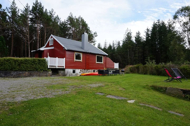 Cabin close to sea, mountain and Bergen city