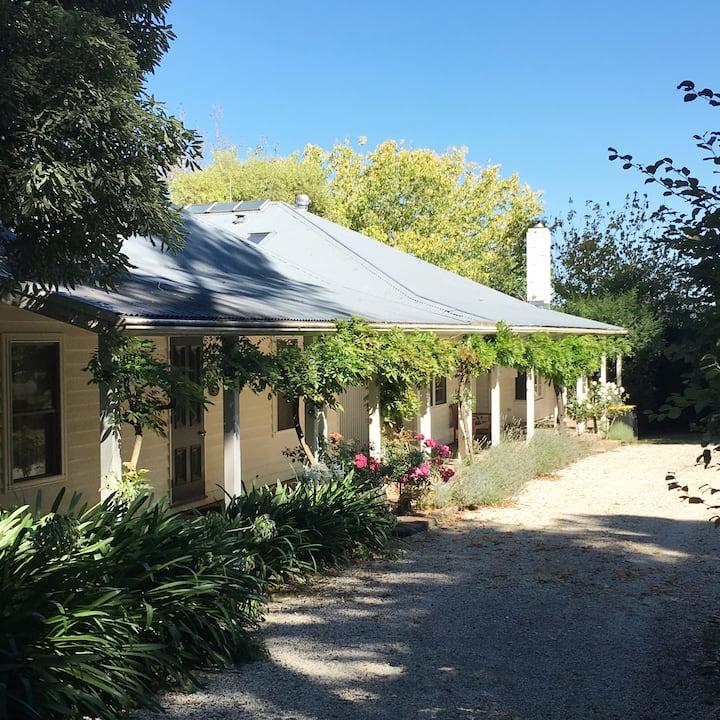 RANNOCH FARM - Farmhouse with Pool & Tennis Court