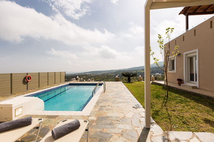 Villa Morfeas, a tranquil retreat! - Agia Triada - Villa