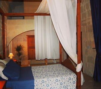 Family Room in Farmhouse b&b - Gozo - L-Għarb