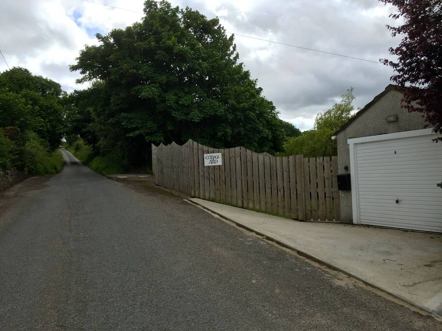 Exterior/Roadside view - Cottage of Aird